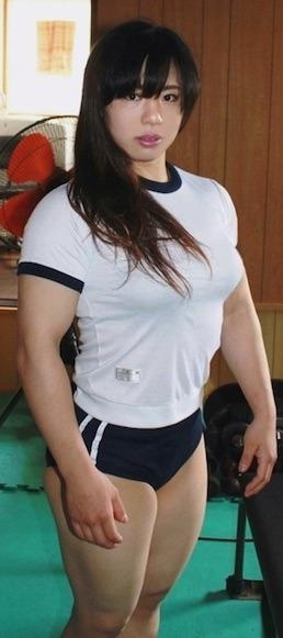 中井りんムチムチの体操着ブルマ.jpg