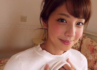 本郷杏奈の美しい瞳と吸い付きたくなるような唇.jpg