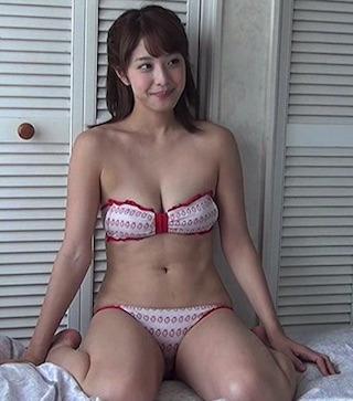 本郷杏奈(ほんごうあんな).jpg