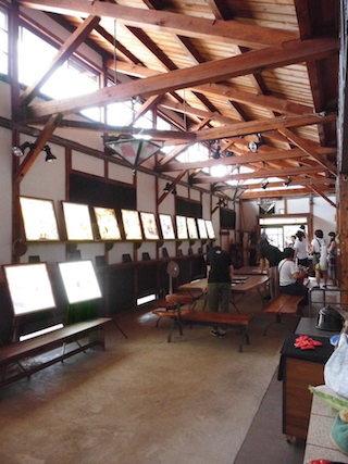 えんとつ町のプペル光る絵本展(能登川ファブリカ村).jpg