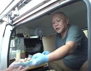 たこ焼き店の蛸笑げんこつおじさん水野晃男さん.jpg