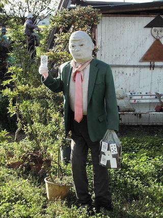トランプ大統領の人形.jpg