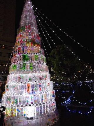 ペットボトルを使ったクリスマスツリー.jpg
