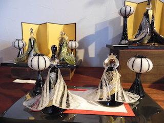 ヴェネツィアンガラスの技法で作られたモダンなインテリア雛人形.jpg
