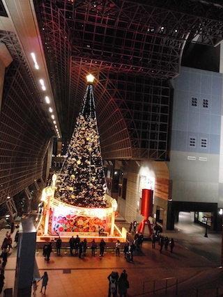 京都駅ビルのクリスマスツリー.jpg