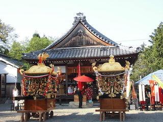 八宮赤山神社の拝殿.jpg