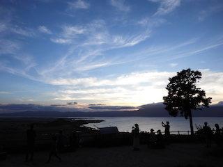 八幡山山頂から見た琵琶湖の夕景色.jpg