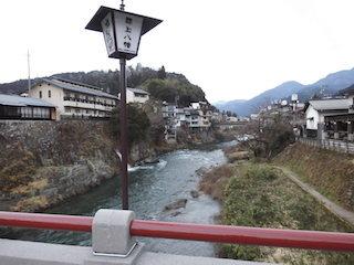 岐阜県郡上市を流れる吉田川は長良川の支流.jpg