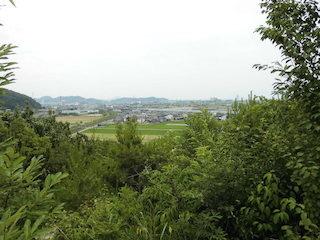 岩脇山の山頂から新幹線や列車の景色.jpg