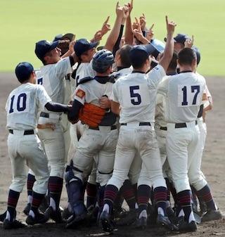 彦根東高校の野球部.jpg