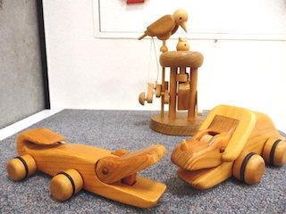 木で作ったおもちゃ.jpg