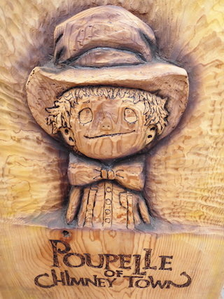 木彫り彫刻(えんとつ町のプペル).jpg
