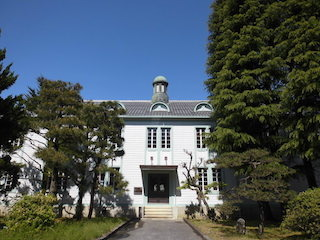 滋賀大学の彦根キャンパスの講堂.jpg