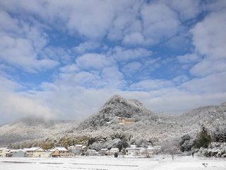 滋賀県のパワースポット太郎坊宮の雪景色.jpg