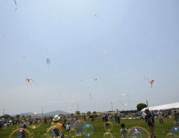 滋賀県の凧揚げ大会イベント