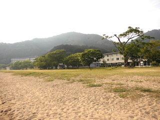 滋賀県近江八幡市の琵琶湖畔にある国民休暇村と宮ケ浜.jpg