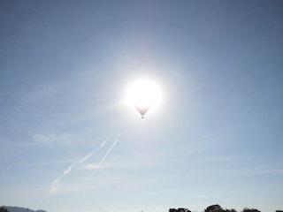 熱気球の日食.jpg