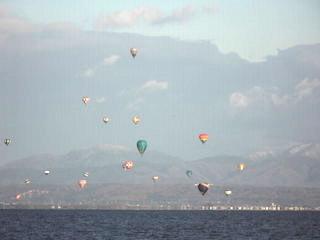 熱気球琵琶湖横断.jpg