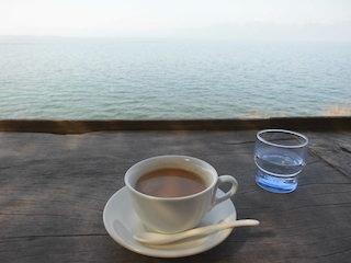 琵琶湖が見える絶景カフェ.jpg