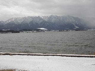 琵琶湖と比叡山の冬景色.jpg