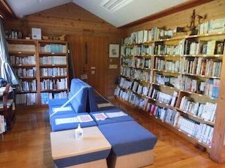 生物や環境学習の図書館.jpg