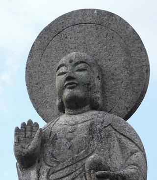 穏やかな顔の仏像と仏様.jpg