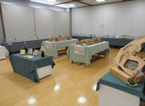 能登川博物館ギャラリーでシャドーボックス展.jpg