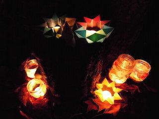 草津市内の保育所・幼稚園・小学校・中学校の皆さんが製作した灯り作品.jpg