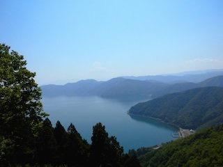 賤ヶ岳からみた奥琵琶湖の景色.jpg