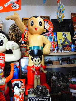 鉄腕アトムとウランちゃん(高値で売れるおもちゃ).jpg