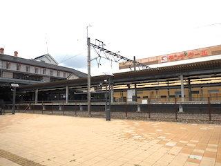 長浜駅と平和堂モンデクール長浜.jpg