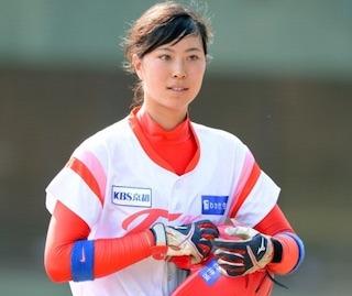 高塚みなみ(高塚南海)美人過ぎる女子プロ野球選手.jpg
