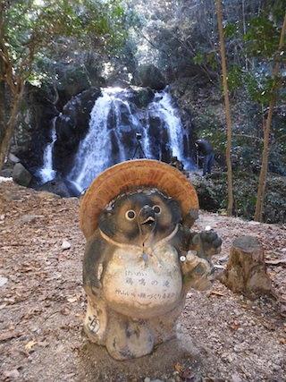 鶏鳴の滝.jpg