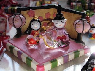 黒壁ガラス館の可愛いミニチュアの雛人形.jpg