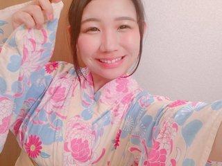 椿理穂はえくぼの可愛い女の子の浴衣姿.jpg